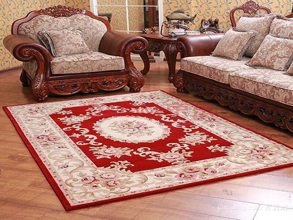 四,摸地毯 手工地毯图案的立体感是依靠颜色过渡和复杂的织法来形成