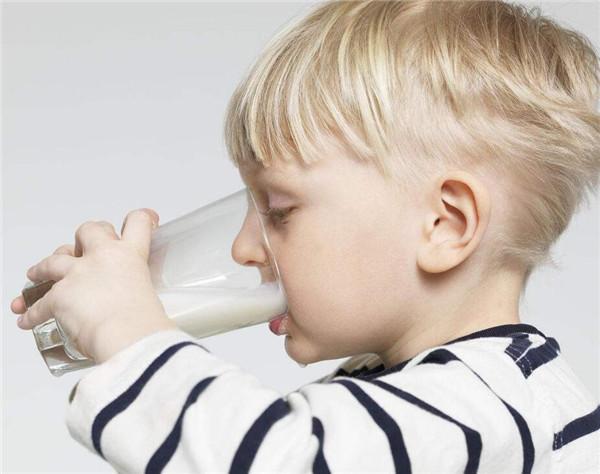 喝牛奶应该注意哪些