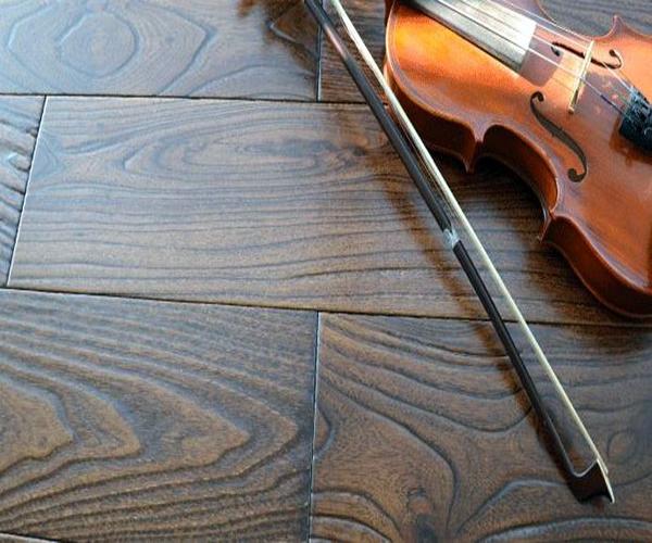 如何保护木地板