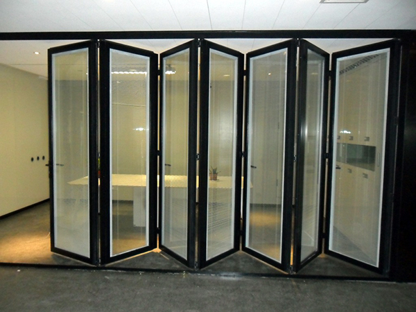 卫生间折叠门二