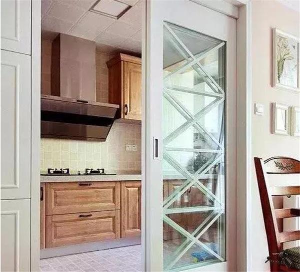 返工三次装出完美厨房 这10点你家装修要注意!