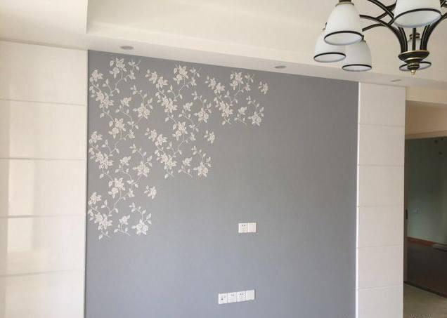 电视墙中间涂了浅蓝色硅藻泥