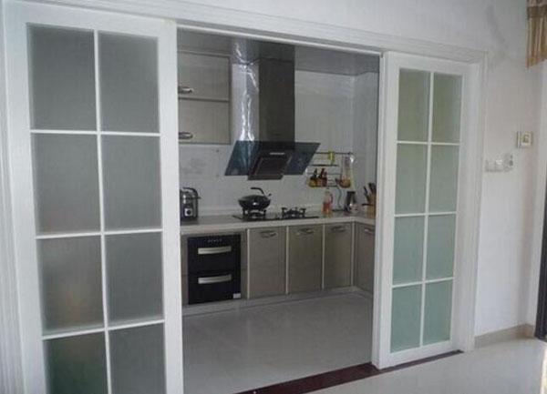 厨房折叠门安装