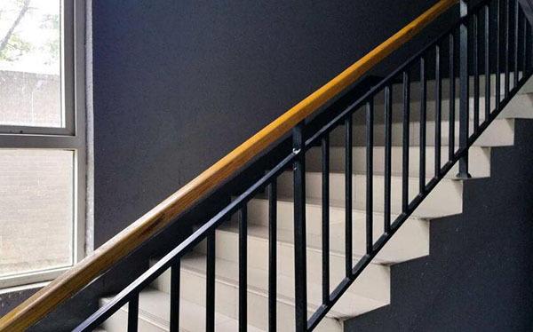 楼梯扶手材质介绍