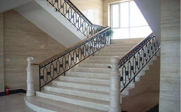 楼梯扶手的材质