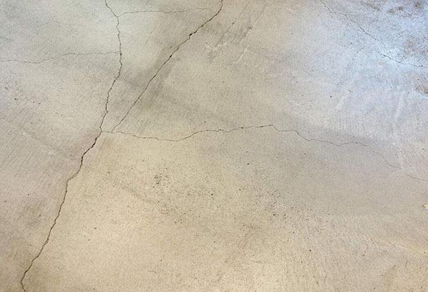 维修水泥地面裂缝方式