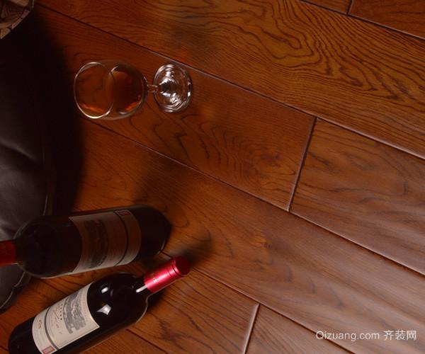 没有经过干燥的木龙骨,含水率会在25%左右,而及格的木地板的含水率一般是在12%左右,如果湿度差相差的太大,很容易就会导致木地板快速吸潮,甚至出现起拱、漆面出现爆裂等现象。 以上就是关于木地板安装费用是多少的相关内容,希望能对大家有帮助!齐装网,中国知名大型装修平台,装修领导品牌。如果想下一番心思装修设计,建议您申请齐装网的免费设计服务,通过专业设计师的现场量房帮您规划合理的空间布局和精美设计。