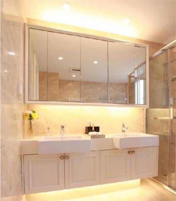 卫生间干湿分离这么设计合理又漂亮