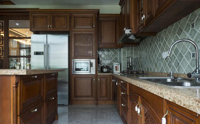 厨房地面瓷砖
