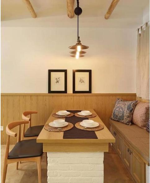装修为省钱竟用砖头砌餐桌,效果还真是让人眼前一亮