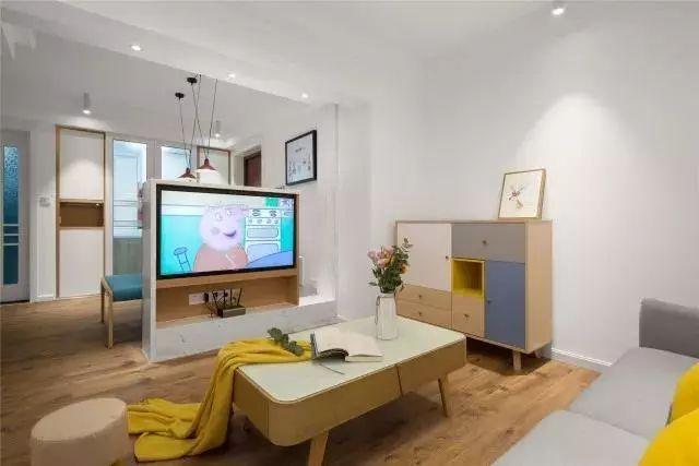 客厅和电视宽度一样的电视墙