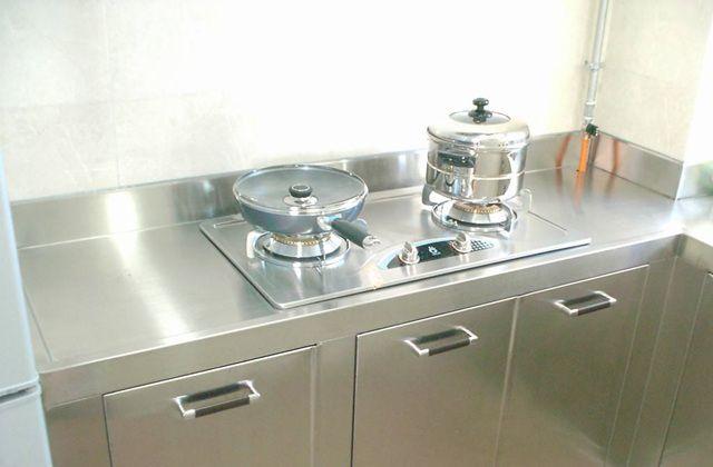 台式灶具与嵌入式灶具哪个更好?