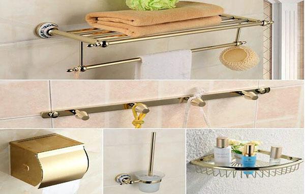 安装卫浴挂件位置