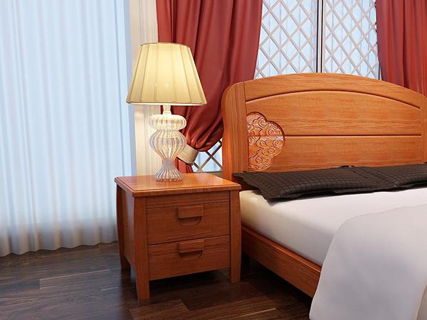 卧室床头柜放哪边