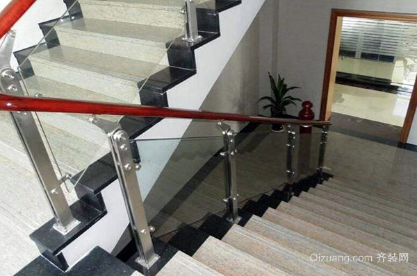 楼梯立柱的配件