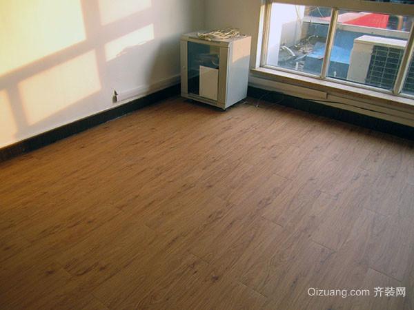 地板革味太大怎么处理