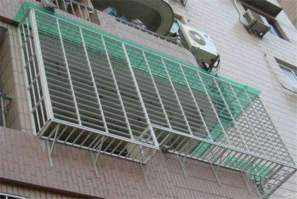 新房窗户装哪种防盗网 听老师傅分析