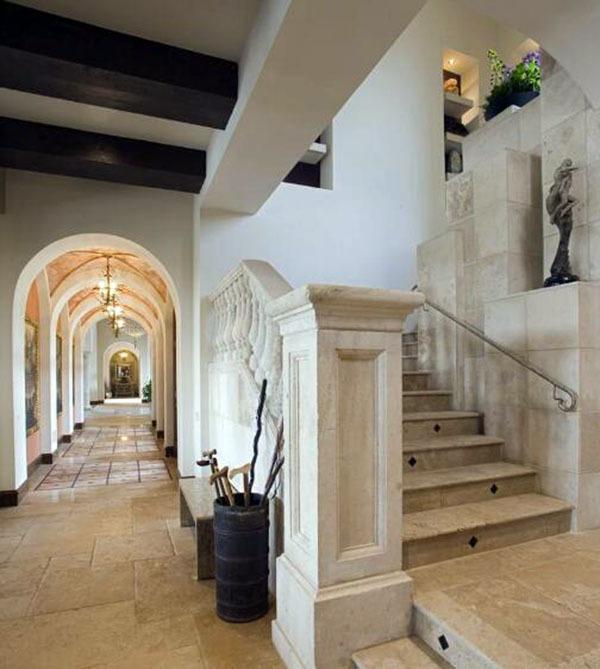欧式别墅楼梯设计的要点 让家居变得个性
