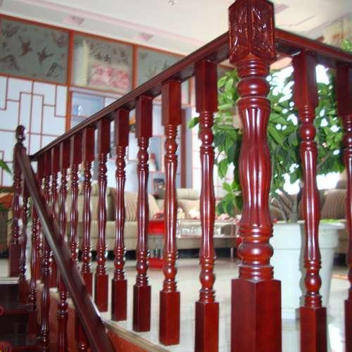 家用楼梯扶手用哪种好