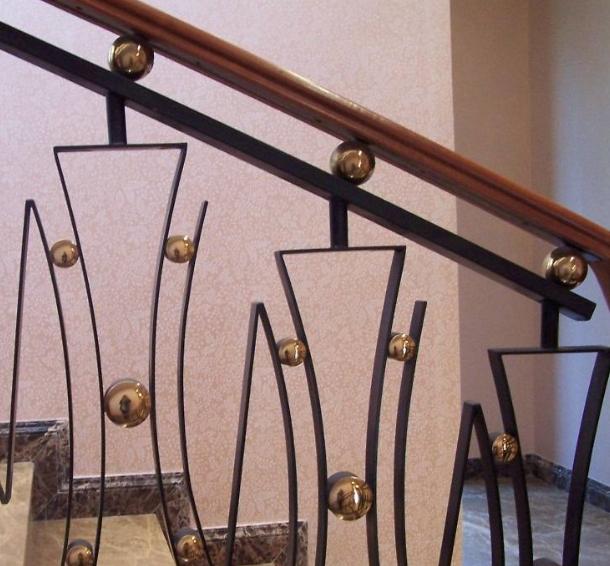 楼梯扶手高度