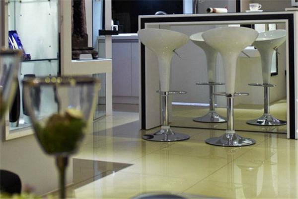 厨房里增加这样的吧台设计  你会不心动吗