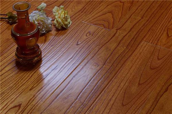实木地板与复合地板哪个好