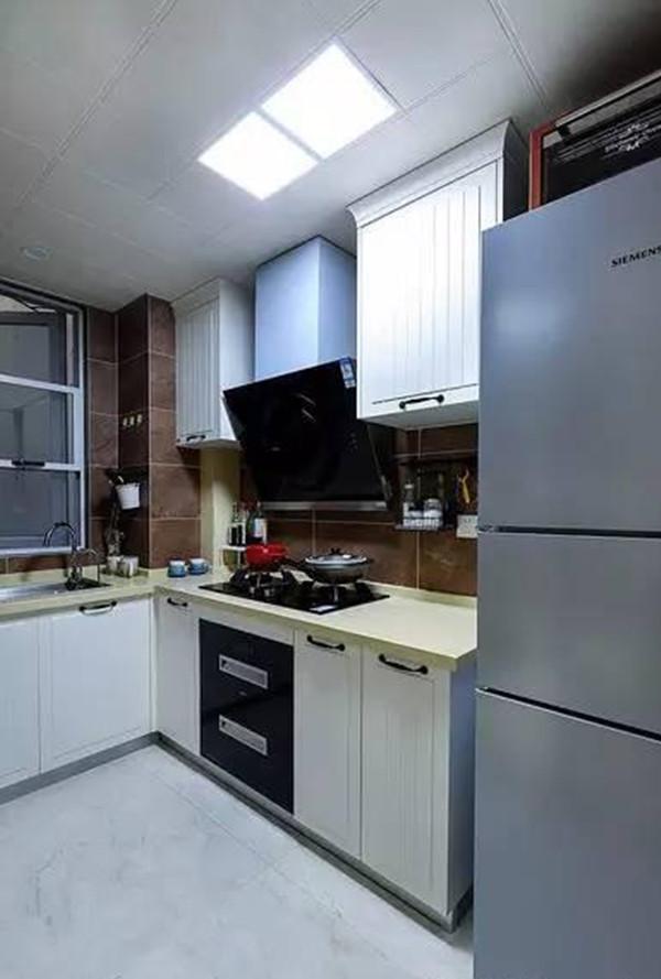 96平现代简约风格厨房设计