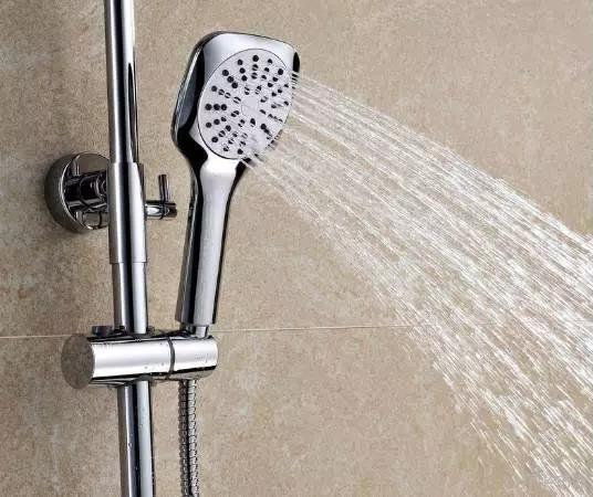 花洒一直滴水怎么办 花洒漏水的原因有哪些