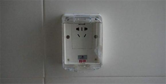 橱柜、插座等的安装