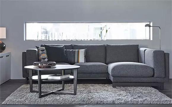 浅灰色L形沙发