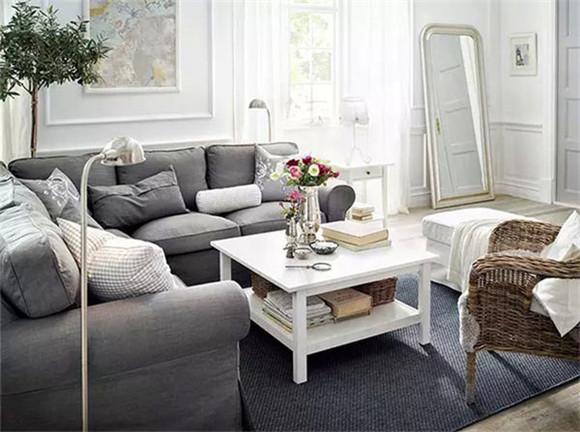 白色空间+白色家具+浅灰沙发