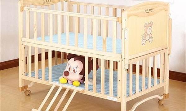 婴儿床选购有哪些技巧    如何选购合适的婴儿床