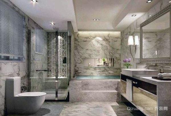 一、合理的空间布局 对于小型的卫生间所要讲究的就是空间的合理利用,比如小卫生间可以安装淋浴,这样设计也是非常经济方便的,另外有些脸盆和墙体空间设计也要考虑到节省空间方法,这样也能合理利用空间。 二、浴缸要慎选 一般对于小浴室来说是不建议安装浴缸的,是选择淋浴设计,这样能够很好的为我们节约空间,另外假如选择安装浴缸的话,就要选择1.