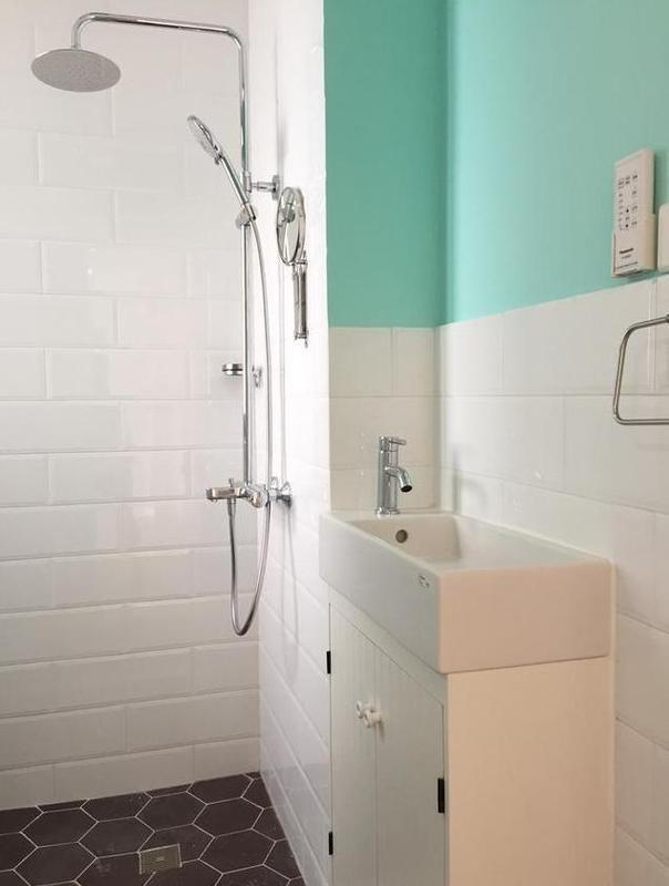 浴室文化砖墙