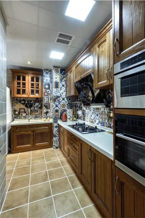 荆州105平米三居室装修案例,7.5万半包打造典雅精致的美式装修