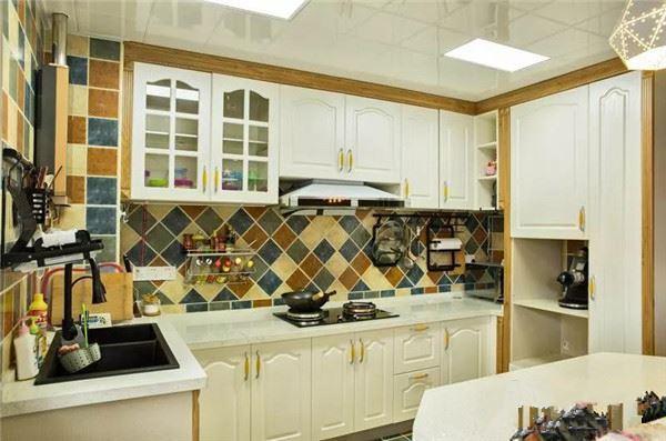 小型情侣房甜蜜装修 复式房小户型房屋装修效果图