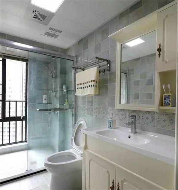 六盘水150平三室装修案例 玄关鞋柜太实用