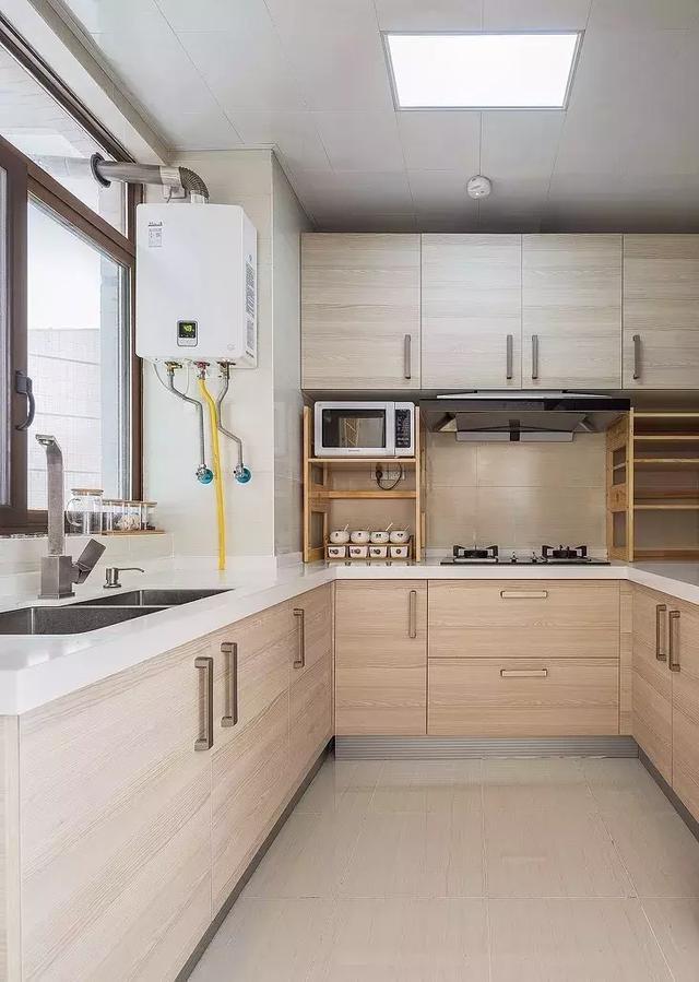 101㎡原木风格厨房装修设计