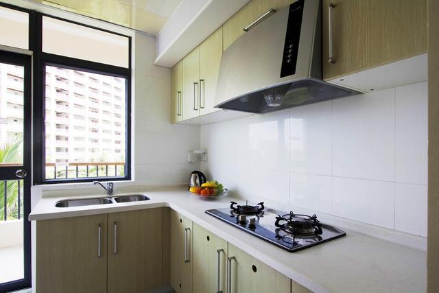 厨房油烟机用什么洗最干净