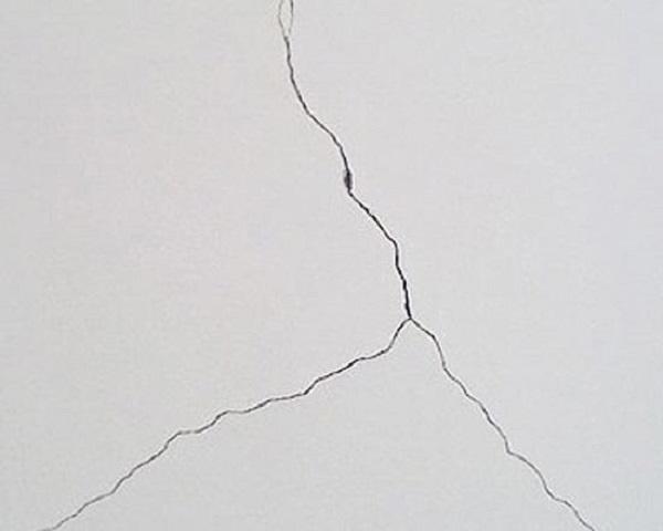 墙面裂缝如何修补
