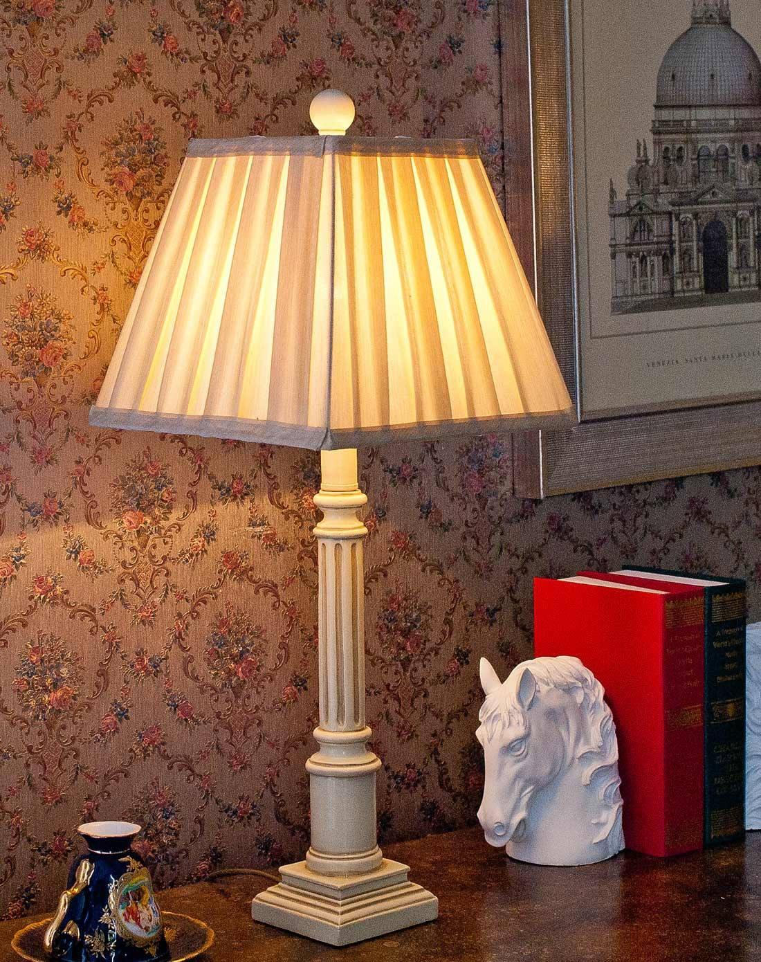 卧室床头灯台灯