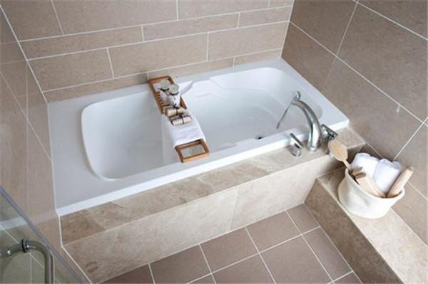 浴缸的安装