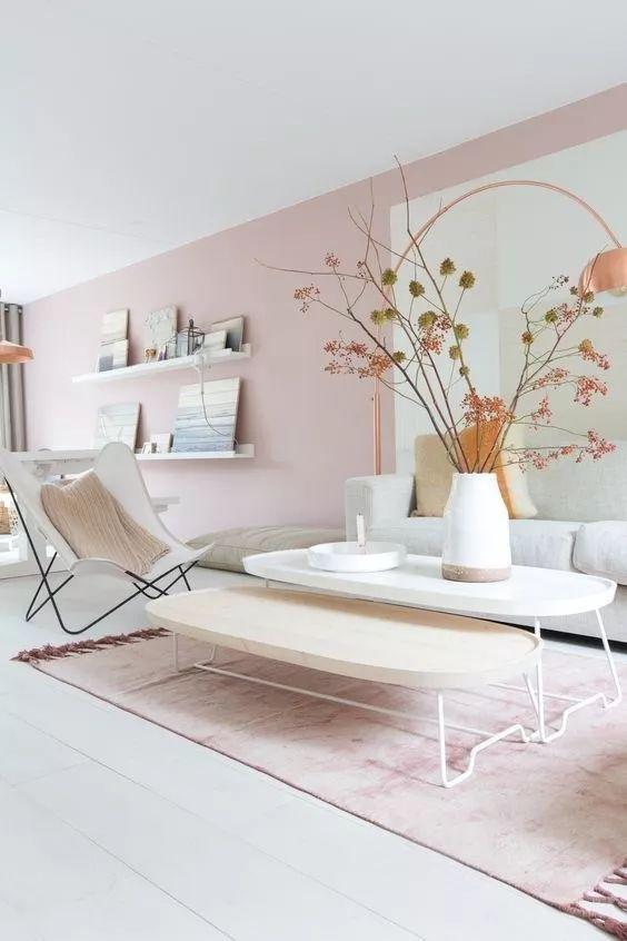 现代感十足但轻巧设计的家具