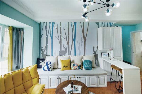 蓝绿色的空间客厅