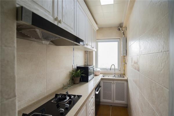 狭长厨房装修设计