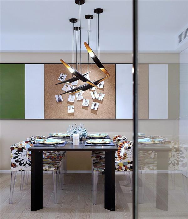 现代风装修实景图之餐厅