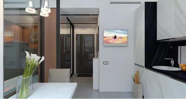 液晶电视被安装在厨房拐角的墙面上