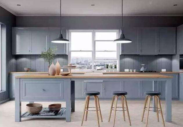 蓝色+原木色系厨房装修效果图