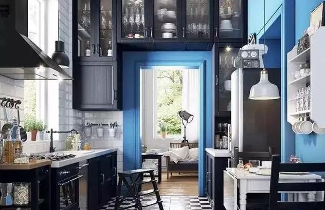 蓝色+黑色系厨房装修效果图