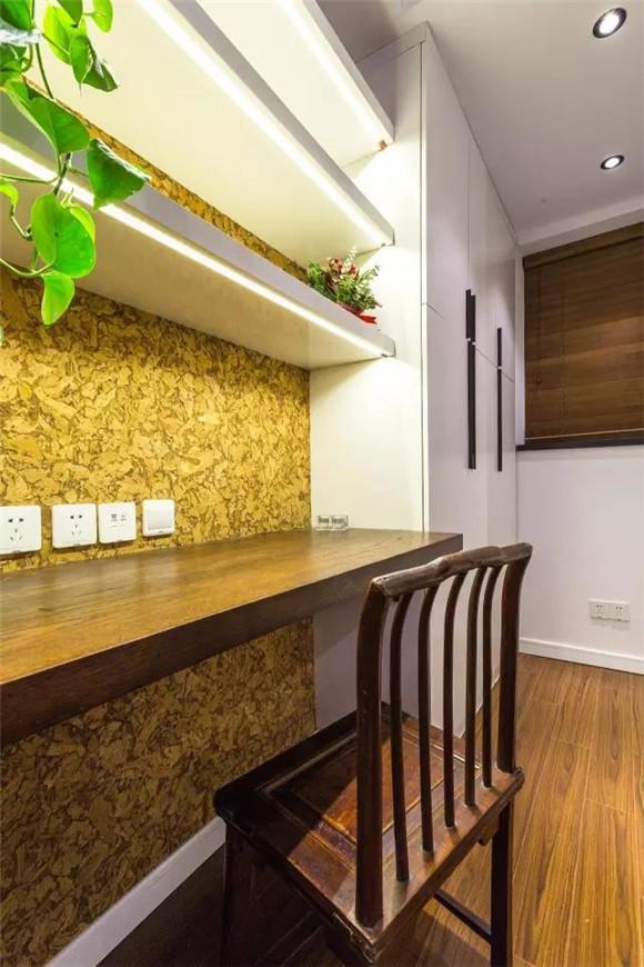 56平旧房改造衣帽间与书房效果图